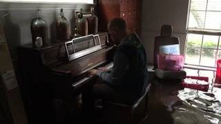 Hurricane Harvey victim whose post went viral receives new piano