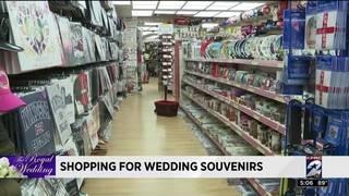 Shopping for wedding souvenirs