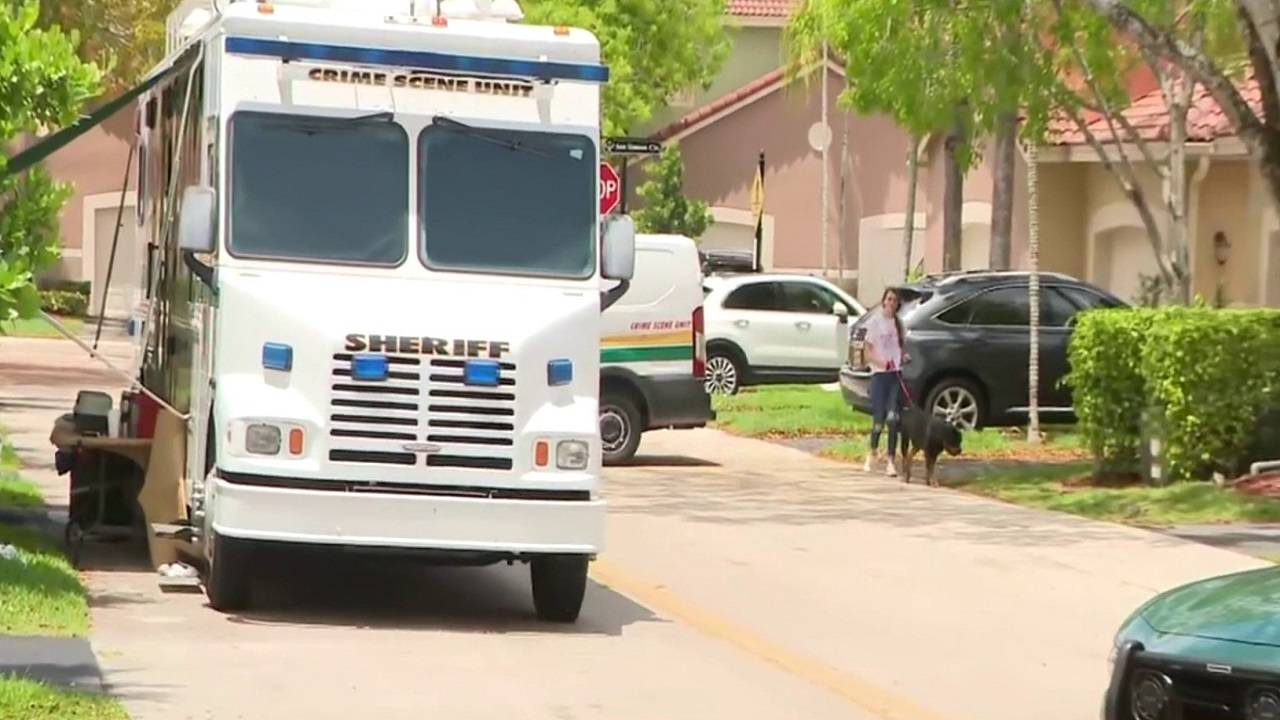 BSO Crime scene truck outside Weston home