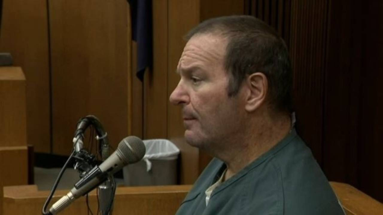 Bob Bashara on the stand_35855840