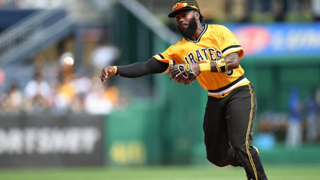 Josh Harrison infield Pirates 2018