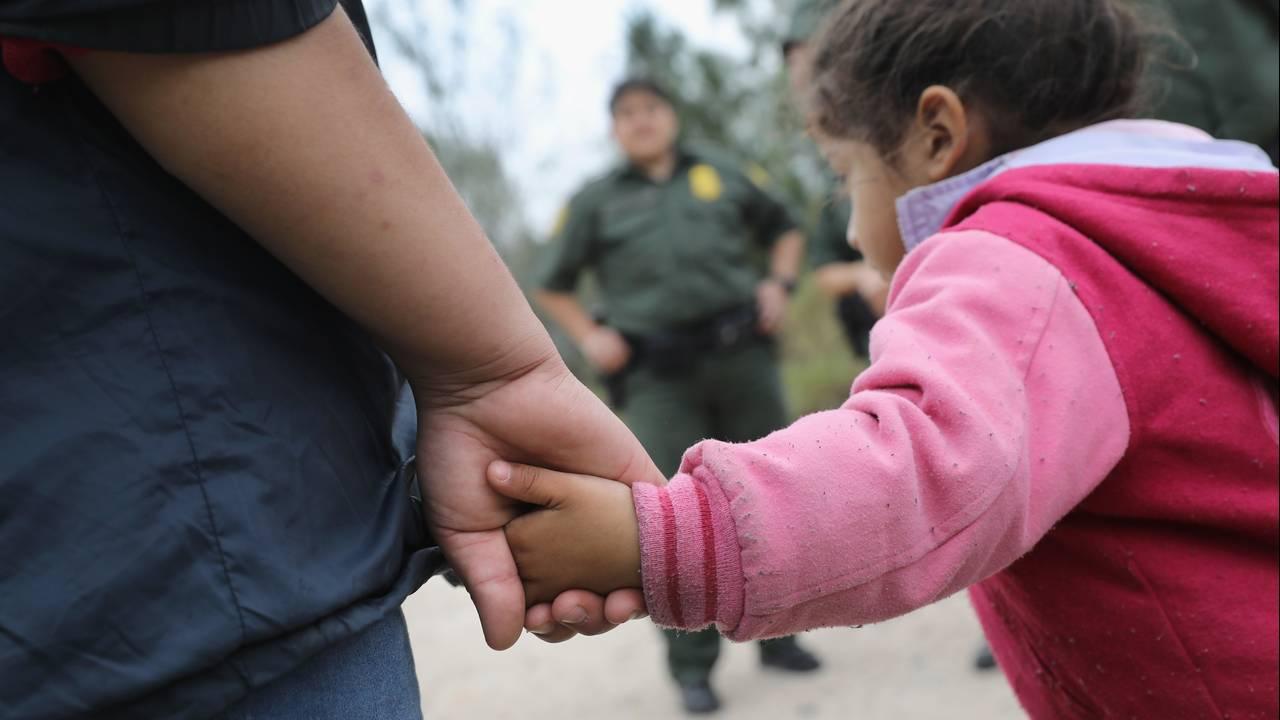 Immigrants crossing border_1548165692549.jpg.jpg