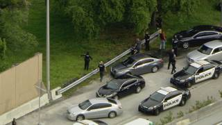 Police apprehend 2 suspects after chase in Hollywood