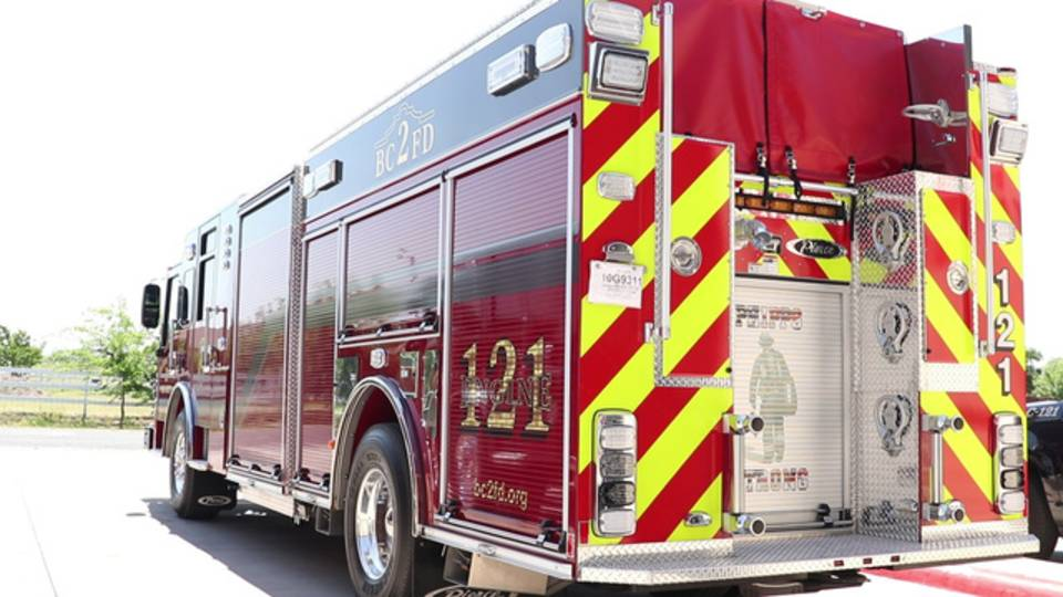 fire-truck-bexar-county-fire_1528408810955.jpg
