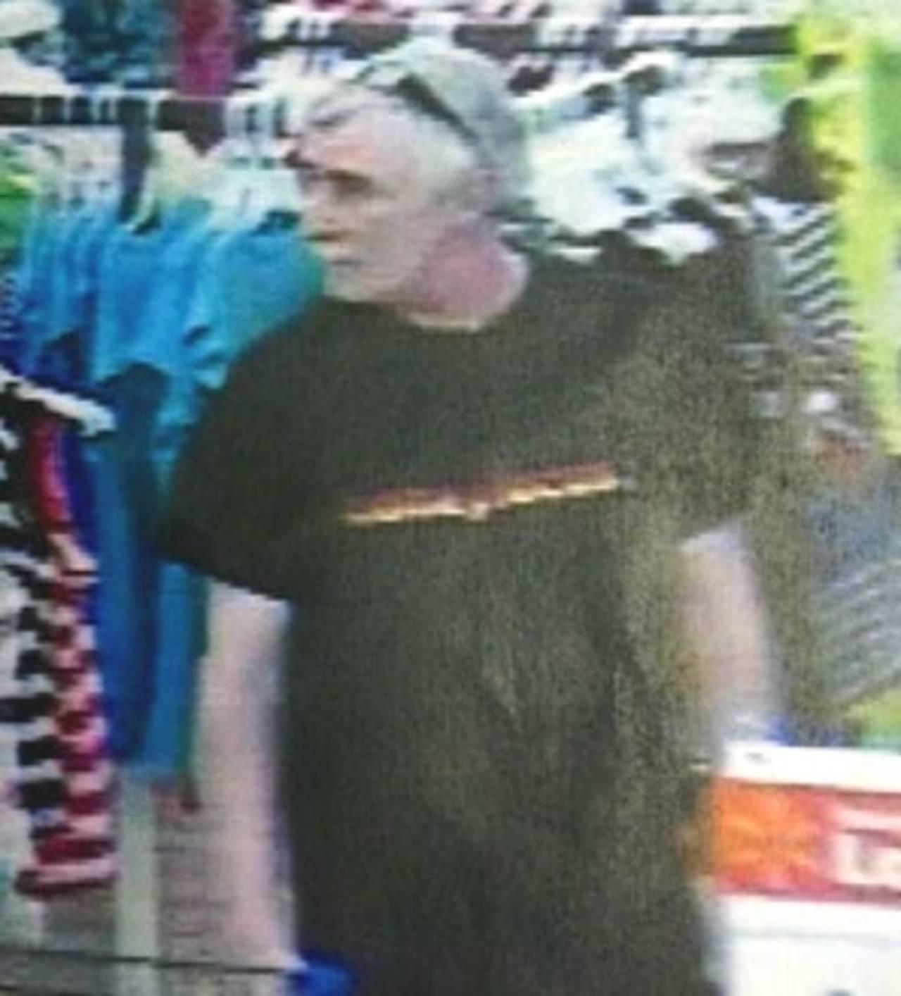 Donald Smith at Walmart_20674396