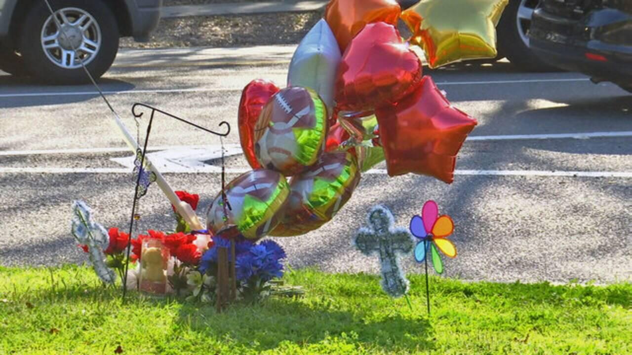 Hunter-Mayport-memorial_1488837912432.jpg