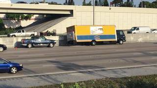 30 vehicles get flat tires after steel rods spill onto I-95 in Palm Beach County