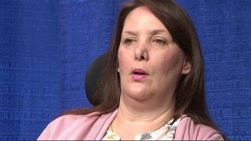 Disabled woman wins lawsuit against United, claims employees dropped her