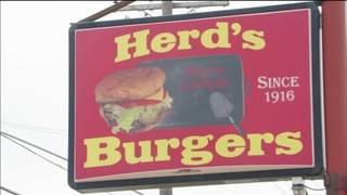 The Texas Bucket List: Herd's Burgers in Jacksboro