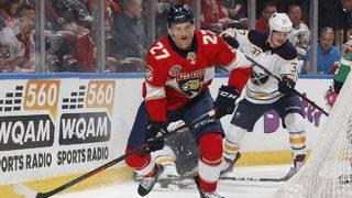 Panthers trade Bjugstad, McCann to Penguins