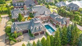 Sprawling Bloomfield Hills estate with private car wash, theater listed&hellip&#x3b;