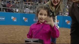 Horse-loving 6-year-old wins Mutton Bustin' event at Houston Rodeo