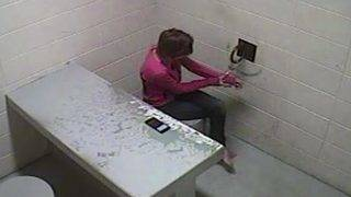 Brazen Woman Slips Out of Her Handcuffs at Wisconsin Police Station