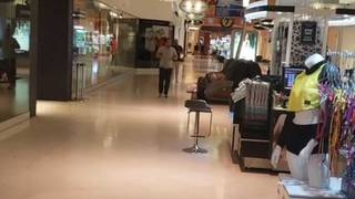 brand new 8d07c edbeb Brief scare at Dolphin Mall sends shoppers running