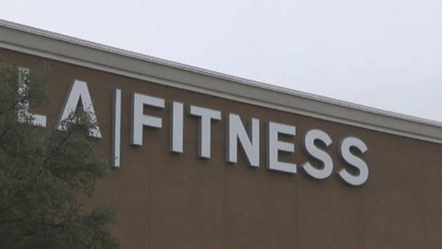 man found at bottom of la fitness pool dies at hospital