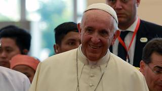 Pope Francis defends Chilean bishop accused of covering up sex scandal