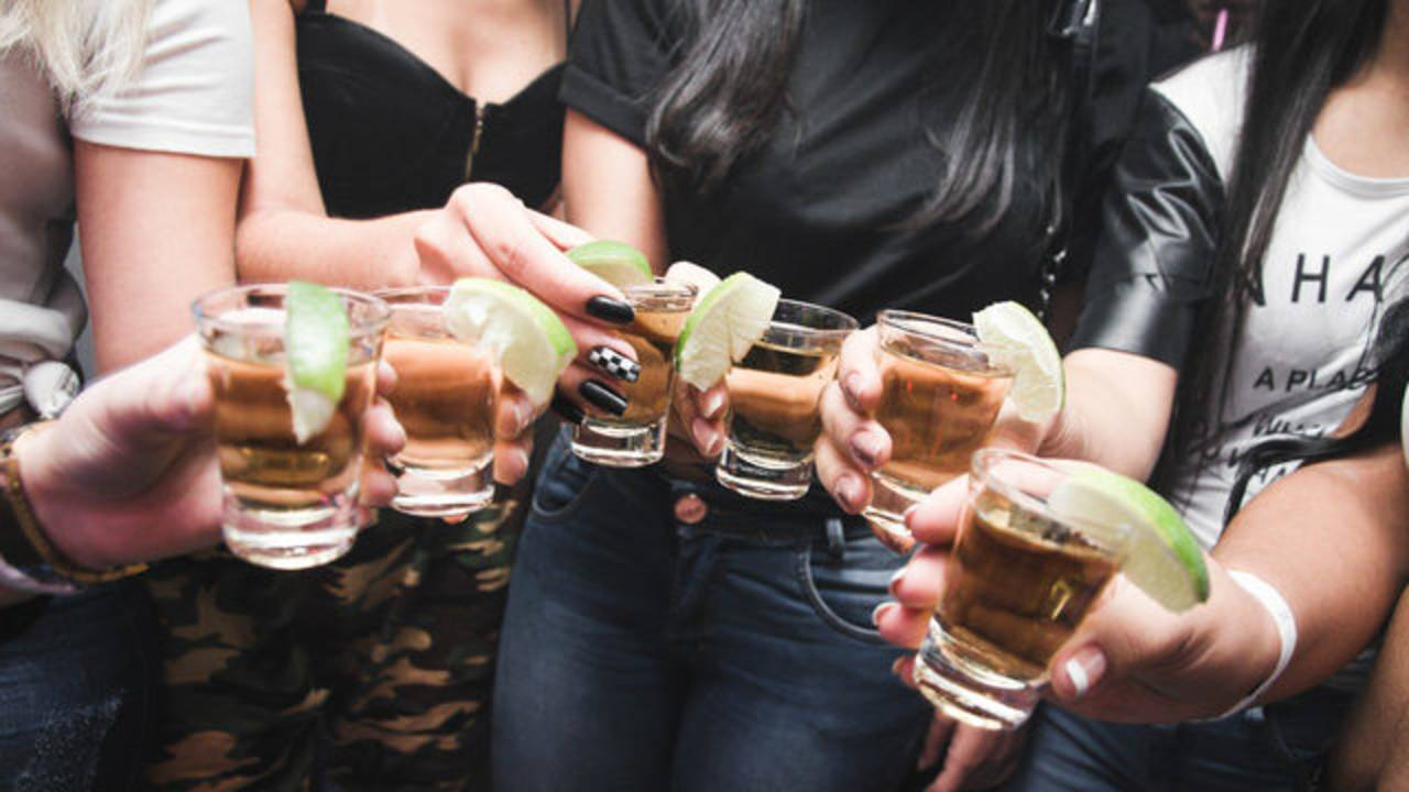 adults-alcohol-alcoholic-beverage-pexels.jpg