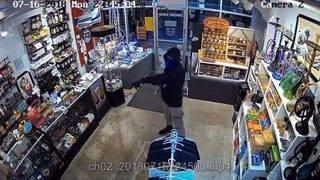 Same gunman robs Fort Lauderdale smoke shop twice in less than month
