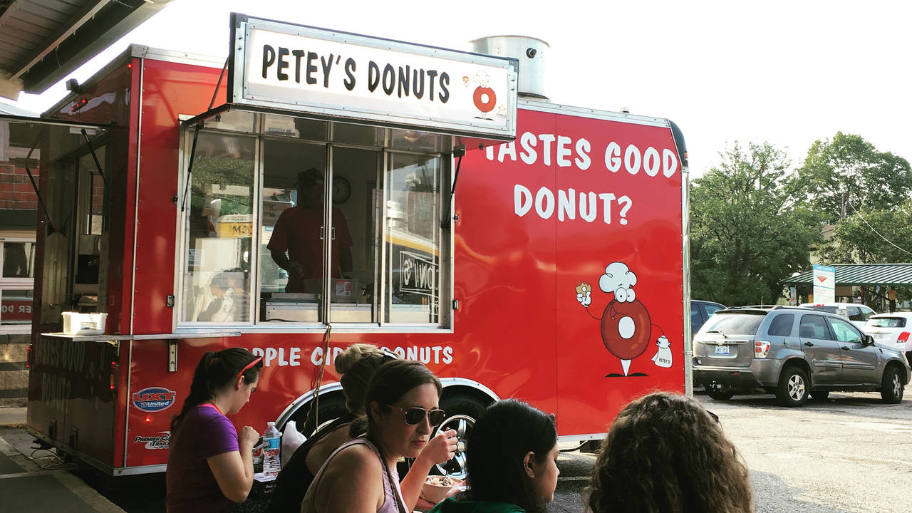 Food Truck Rally Petey's Donuts