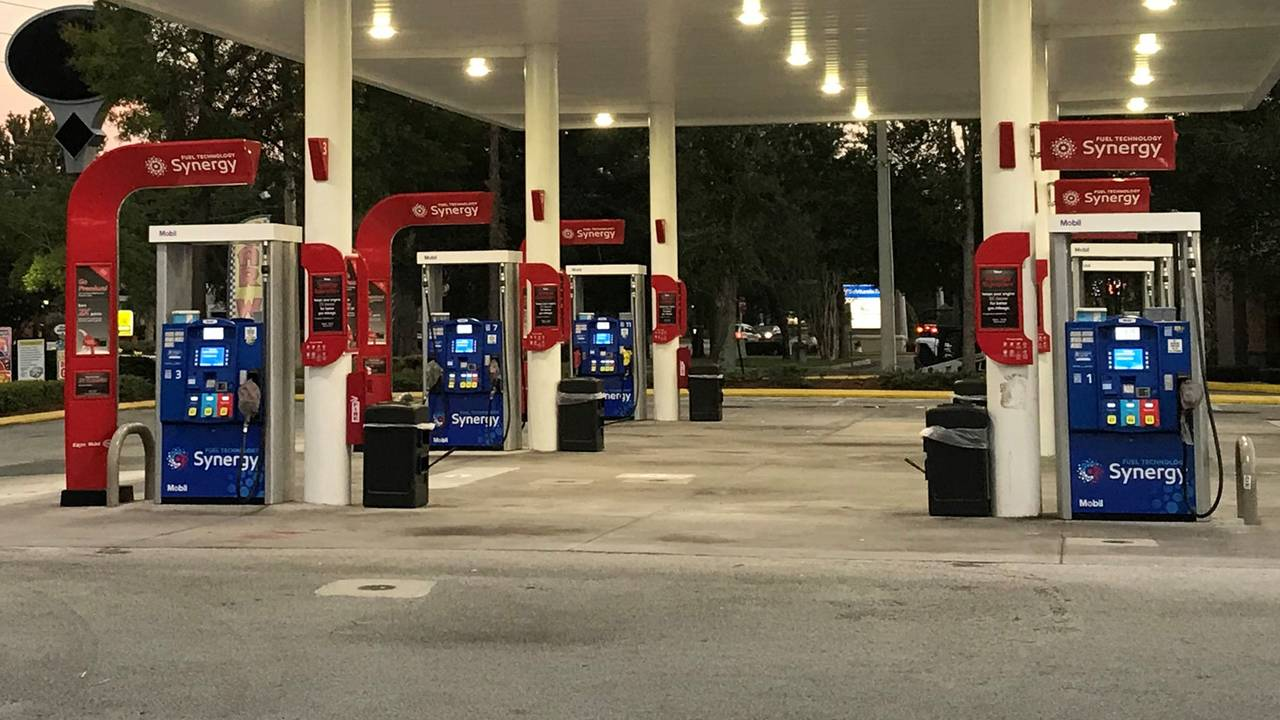Take Me To The Closest Gas Station >> Some Gas Stations Near Duval St Johns County Line Without Fuel