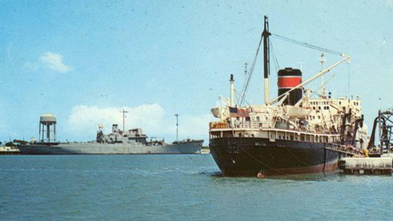 FMPShips-at-Port-Canaveral,-1969_1562880405611.jpg