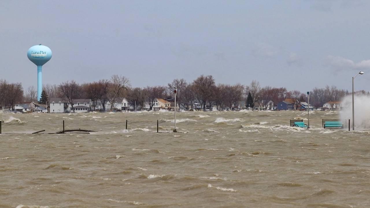 lune pier flooding 1_1555006590392.jpg.jpg