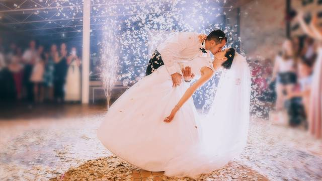Classic First Dance Songs For Your Wedding