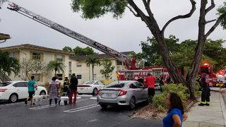 Apartment complex catches on fire in Coral Springs