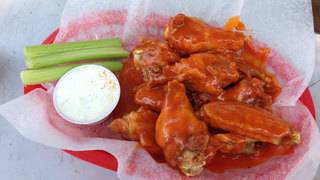 Chicken wing chefs to go head-to-head in San Antonio's Wings & Beer Festival