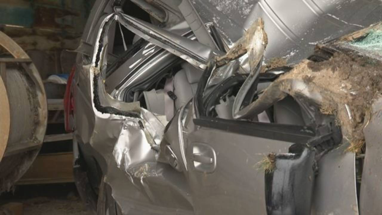 Livingston County deputy hurt road rage minivan doors