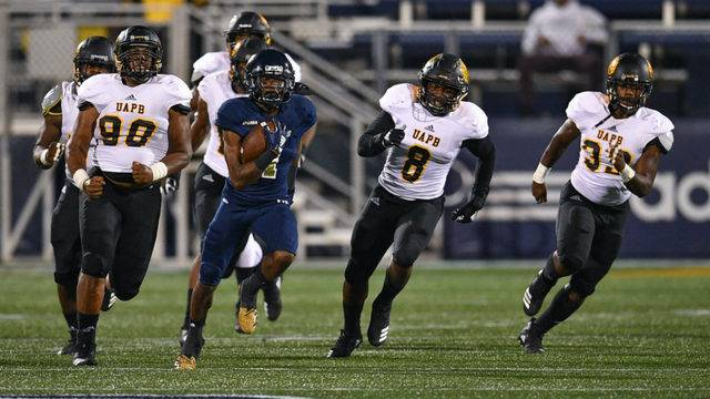 James Morgan Leads Fiu In 55 9 Rout Of Arkansas Pine Bluff