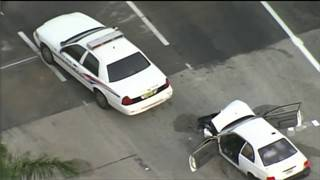 North Miami police officer injured in North Miami Beach crash
