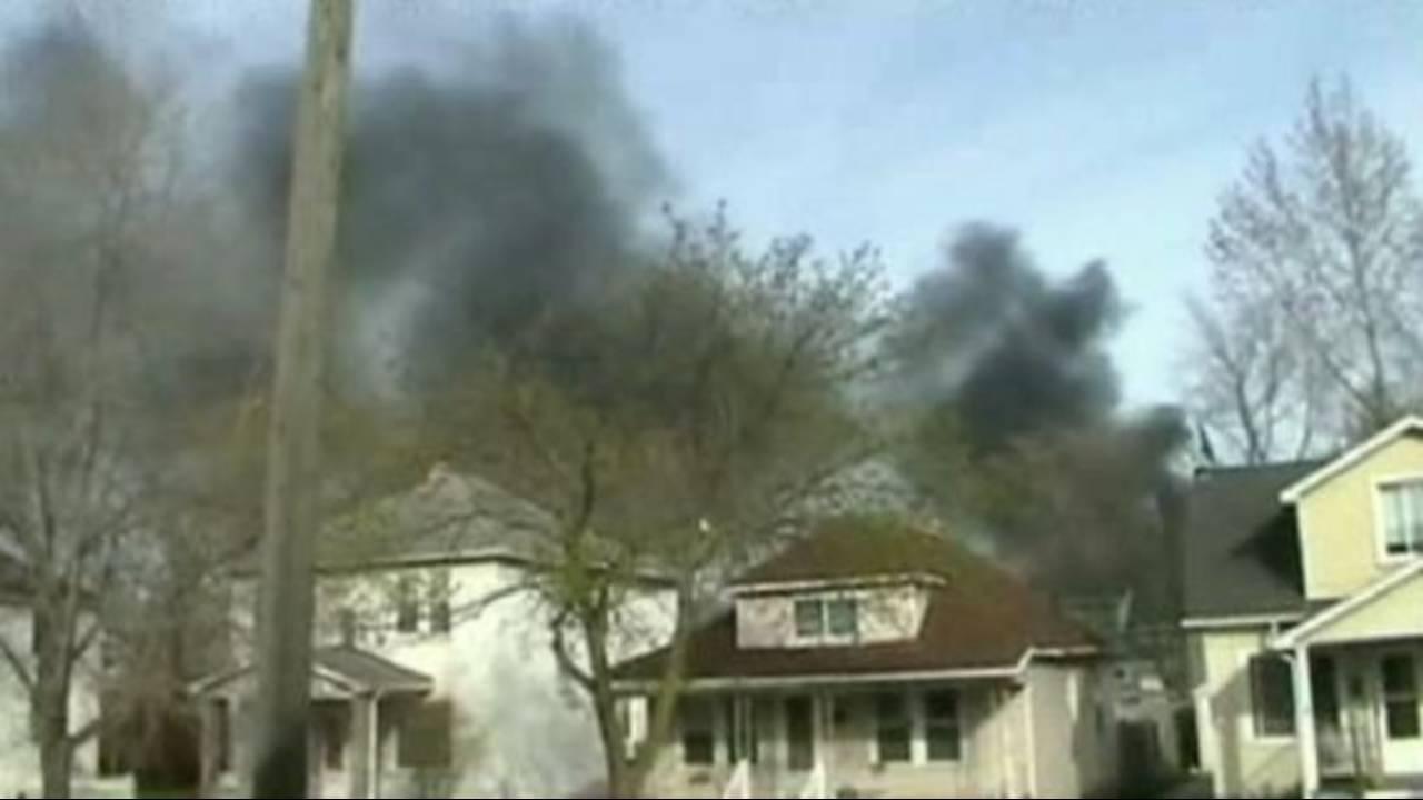SW Detroit neighborhood near refinery fire_19996352