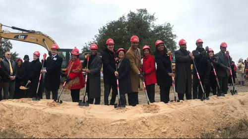 H-E-B holds groundbreaking ceremony for Third Ward location