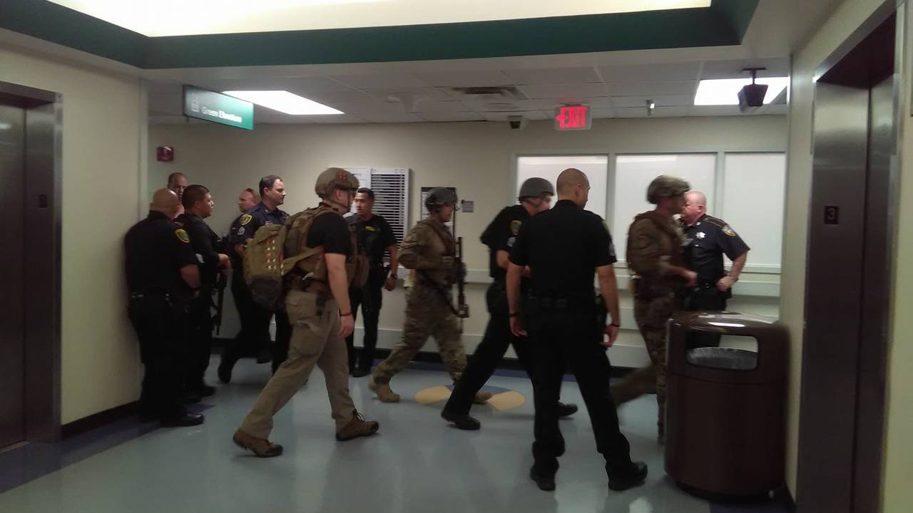 photo of officers inside Ben Taub Hospital 2-21-17