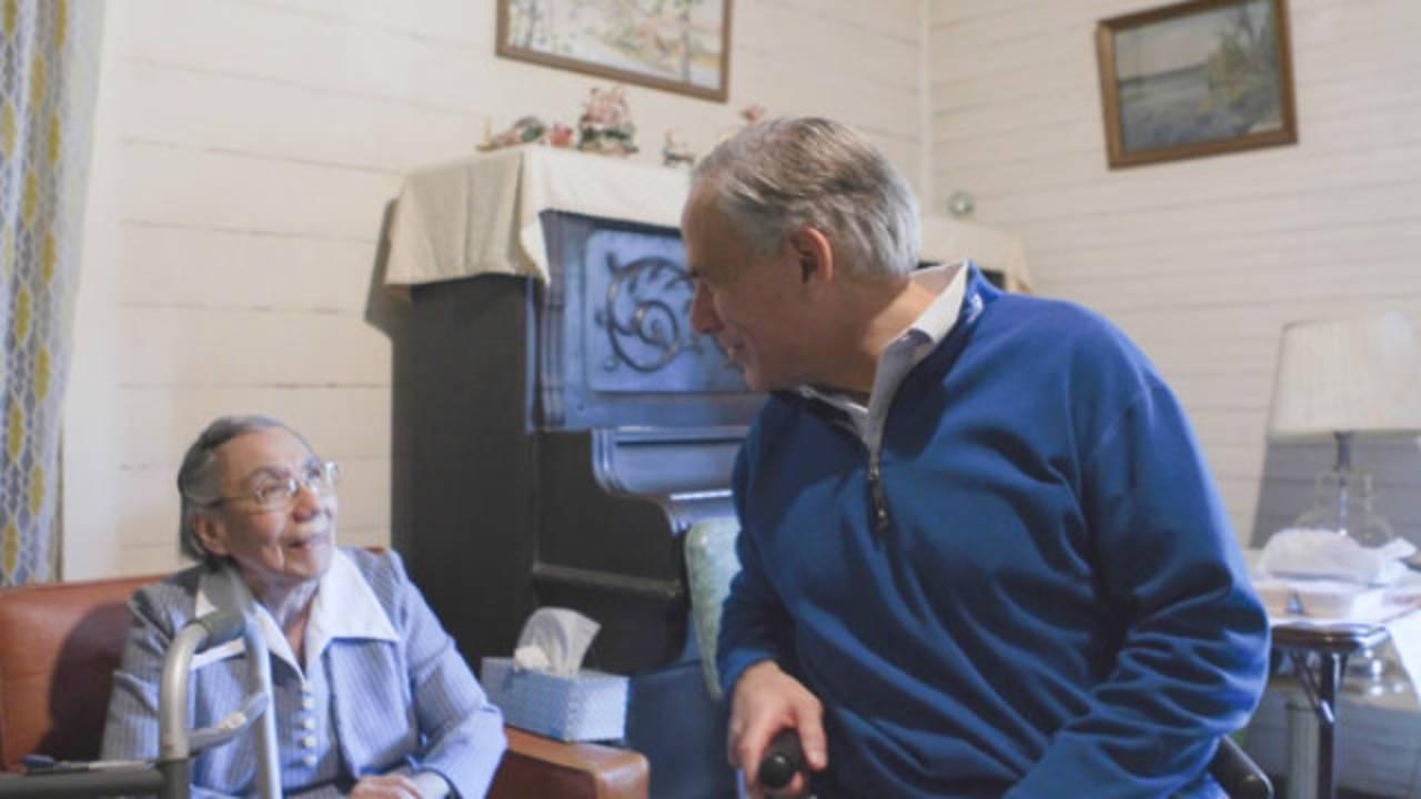 Gov Abbott meals on Thanksgiving 3