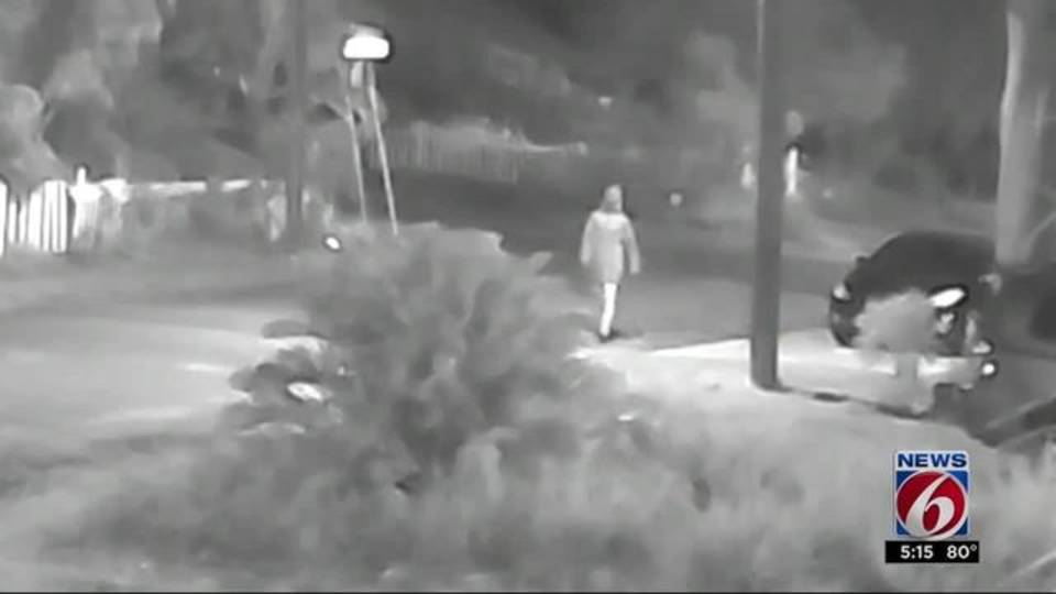 Tampa Bay authorities search for Seminole Heights killer20171023212203.jpg