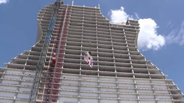 Topping off ceremony held at Hard Rock Hotel and Casino20180709164803.jpg