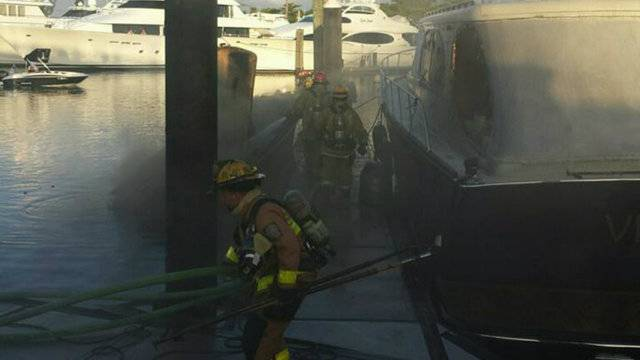 11-18-17 Fort Lauderdale boat fire 3
