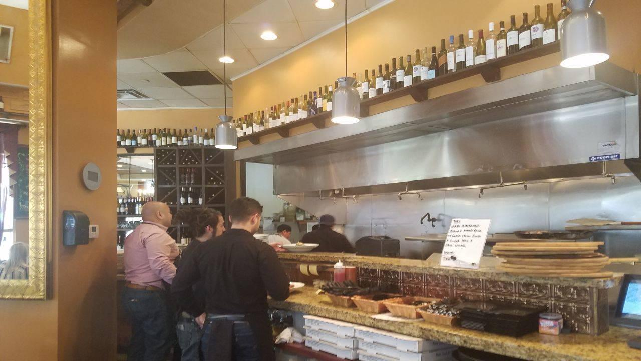 Super Bowl restaurant downtown Houston_1485910348844.jpg
