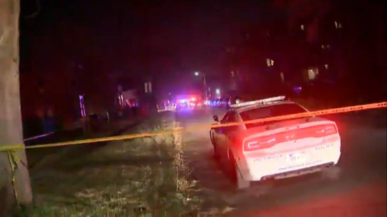 Wayne State University police officer shot scene
