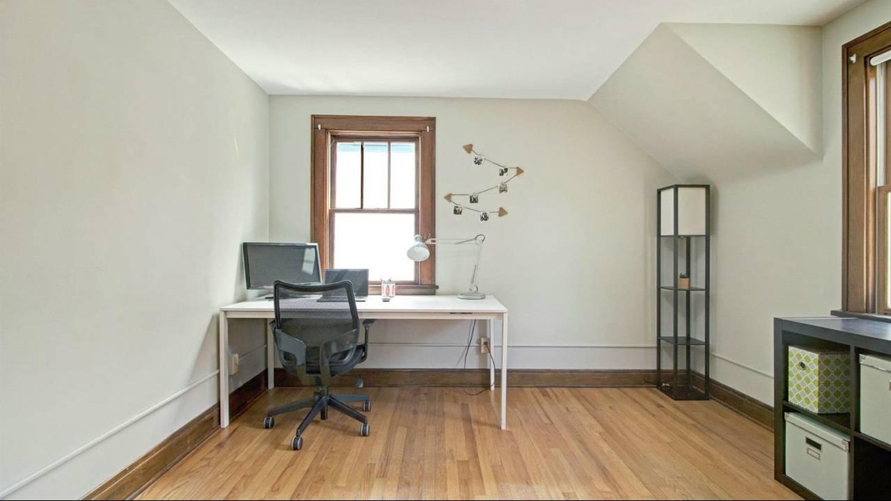 525 N Ashley Street office