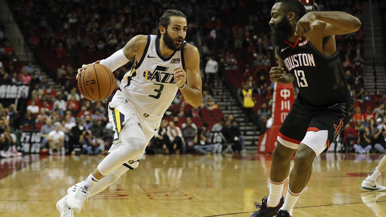 1aaaa62415ec James Harden leaves with apparent injury in Rockets  loss to Jazz