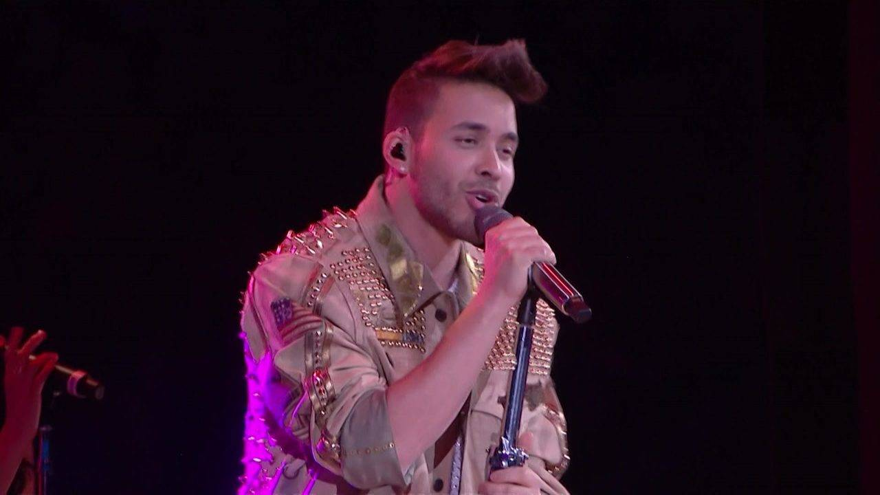 Prince Royce Pays Tribute To Selena At Houston Rodeo With