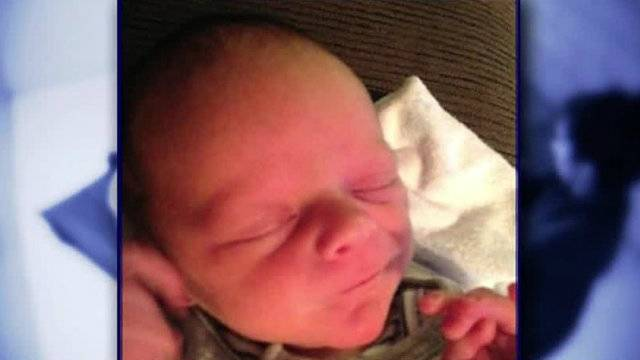 Baby Elijah Preston born on jail cell floor