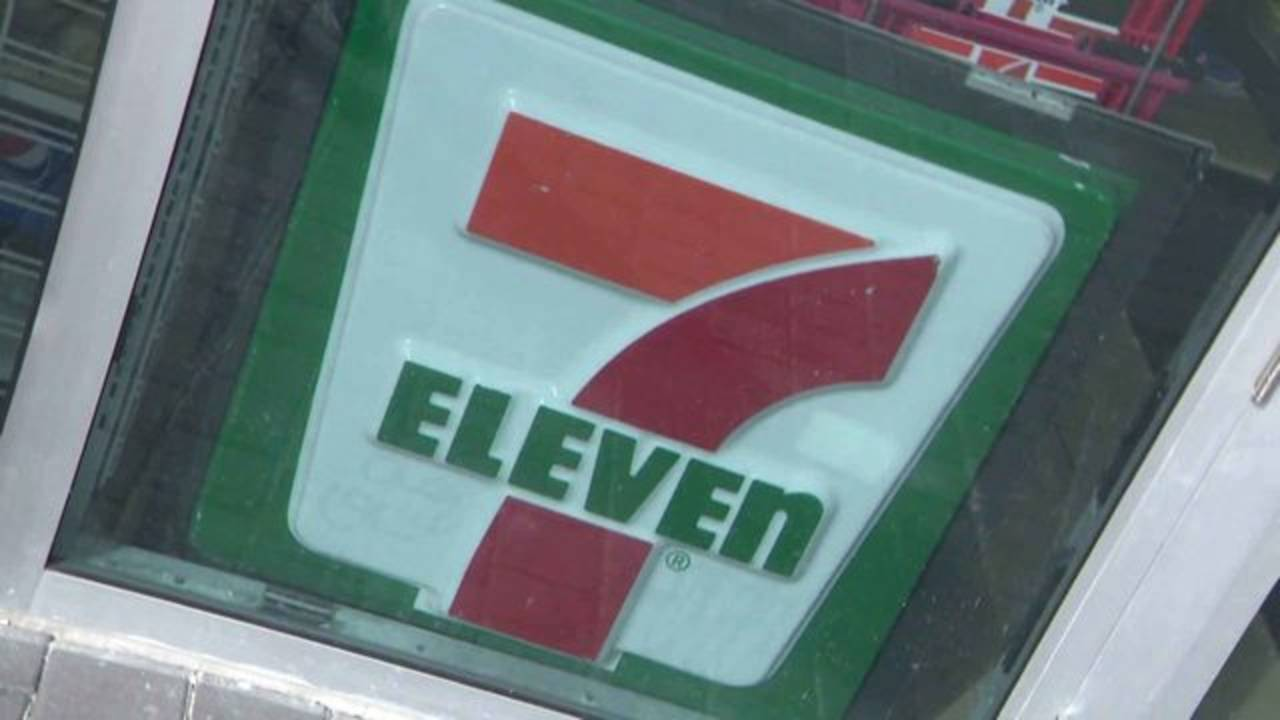 7-Eleven sign at downtown Miami store