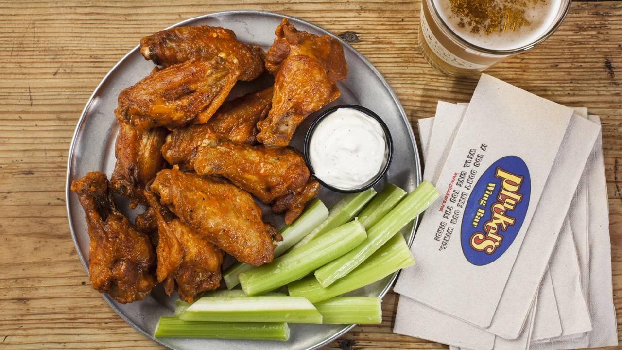 pluckers-wings-bar_1527191394561.jpg