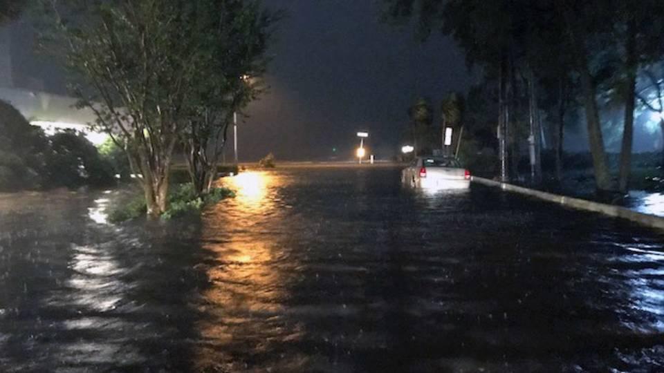 Riverside-flooding-on-Lancastor Terrace