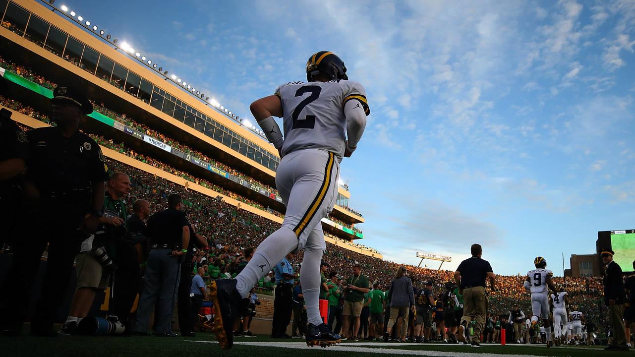 Shea Patterson takes field Michigan football vs Notre Dame 2018
