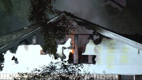 Quick action from neighbors alerts women to flee burning house